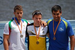 Guillermo Podium K1- 200mts 280.jpg